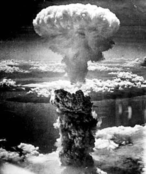 bild einer atombomben-explosion