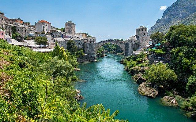 bild der stari most in mostar